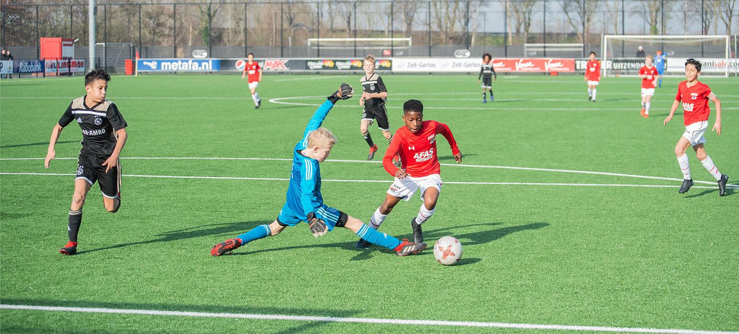 AZ Onder 13 overklast Ajax