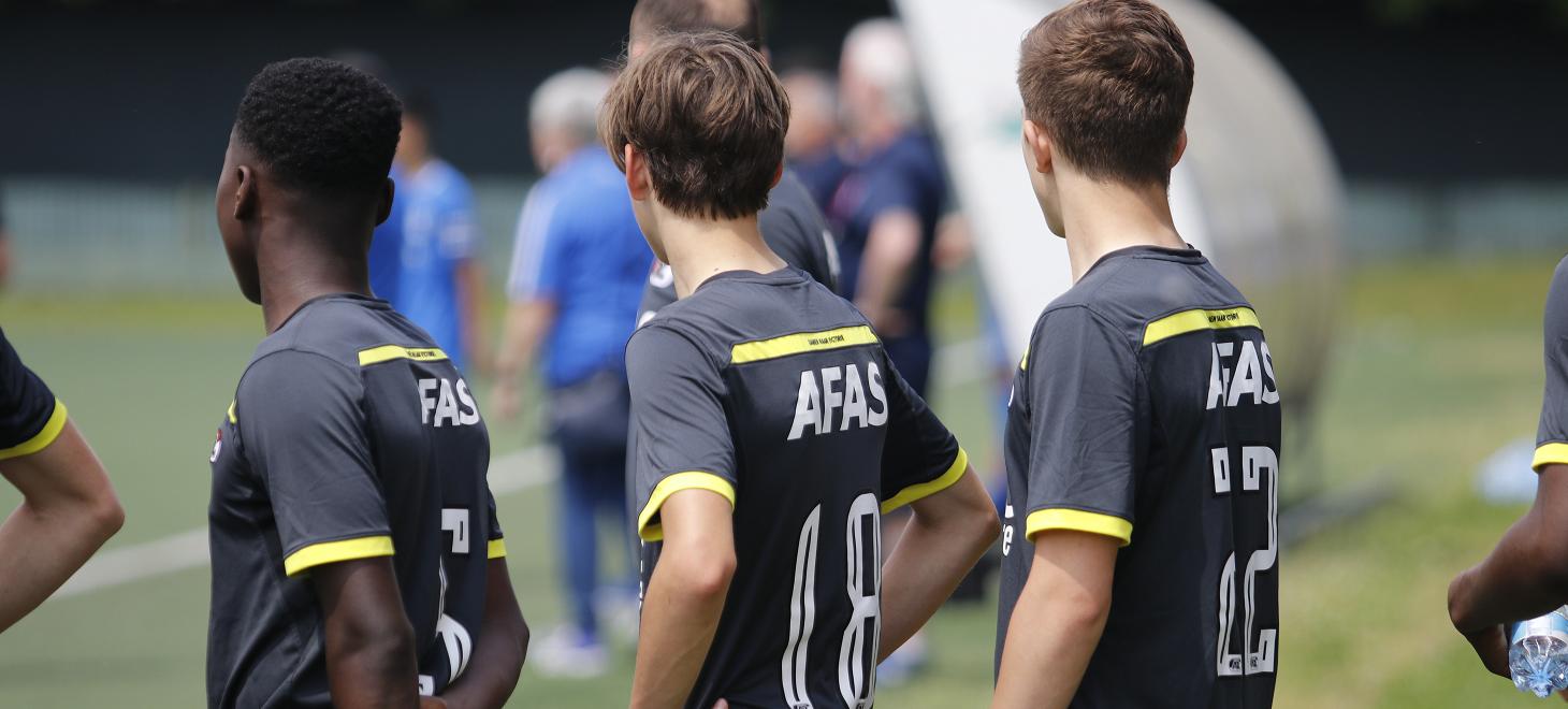 AZ Onder 17 boekt oefenzege op Vitesse