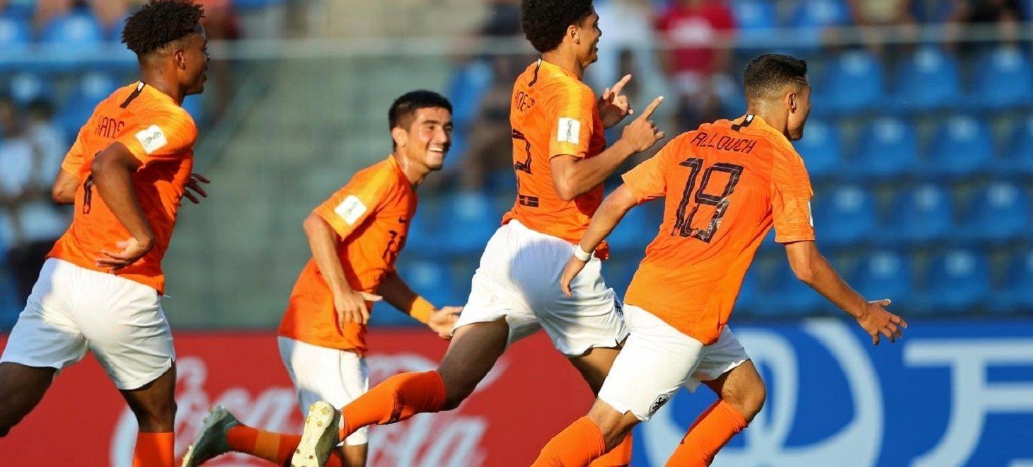 Oranje Onder 18 naar halve finales WK