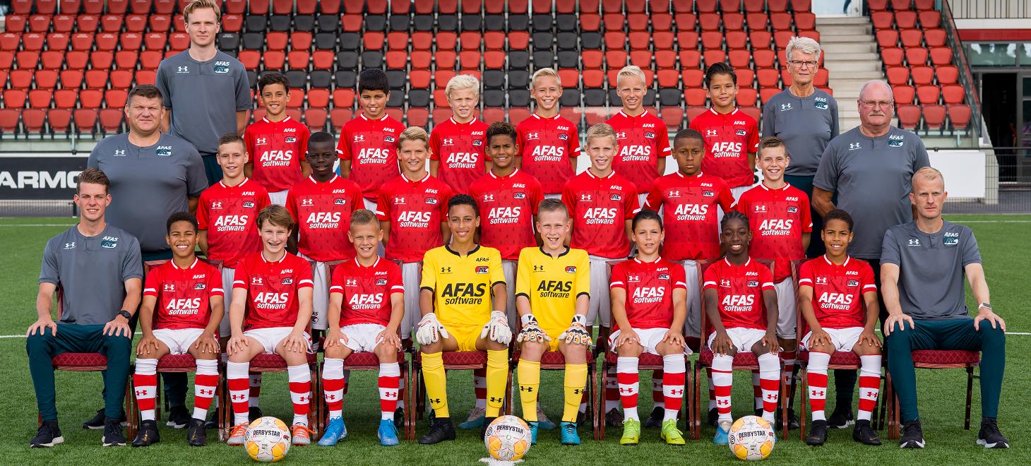 AZ Onder 13 ruim langs Feyenoord