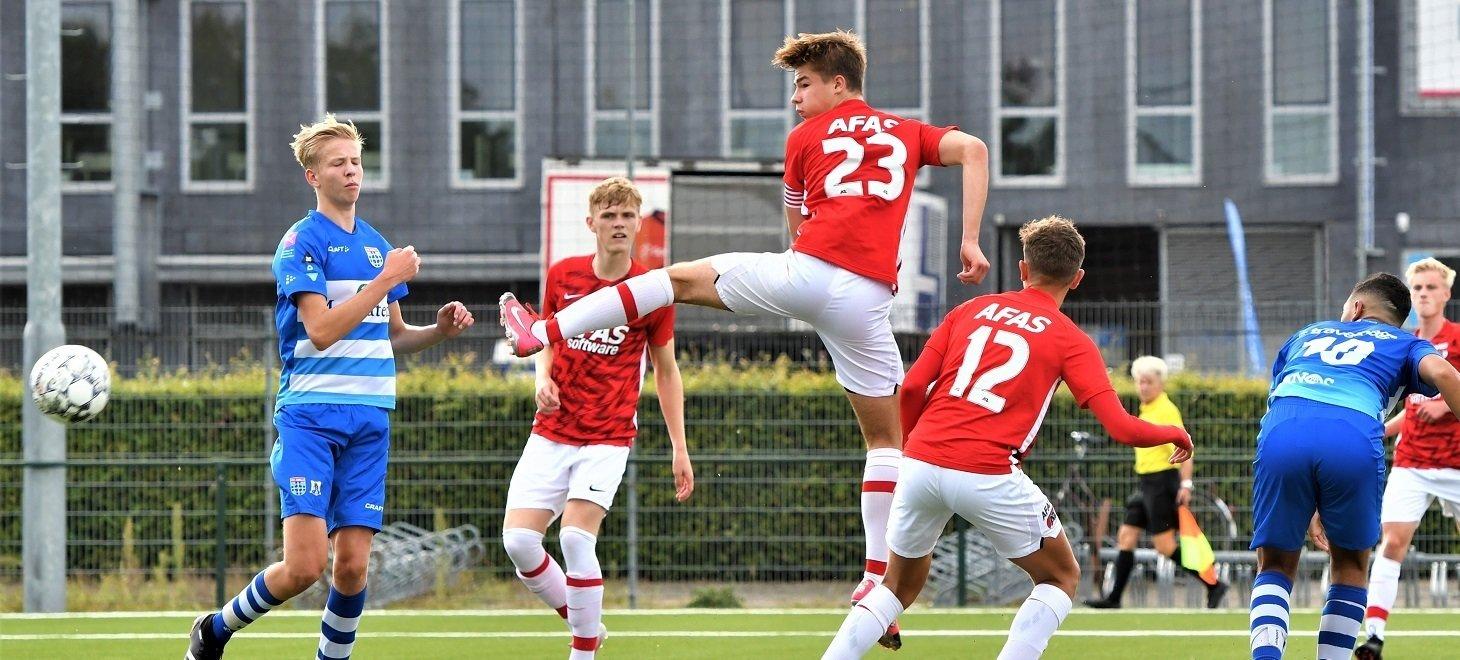 AZ Onder 17 haalt uit in Zwolle