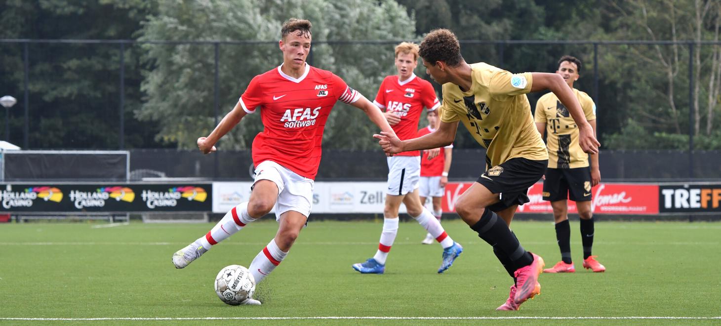 AZ Onder 18 opent met zege op Utrecht
