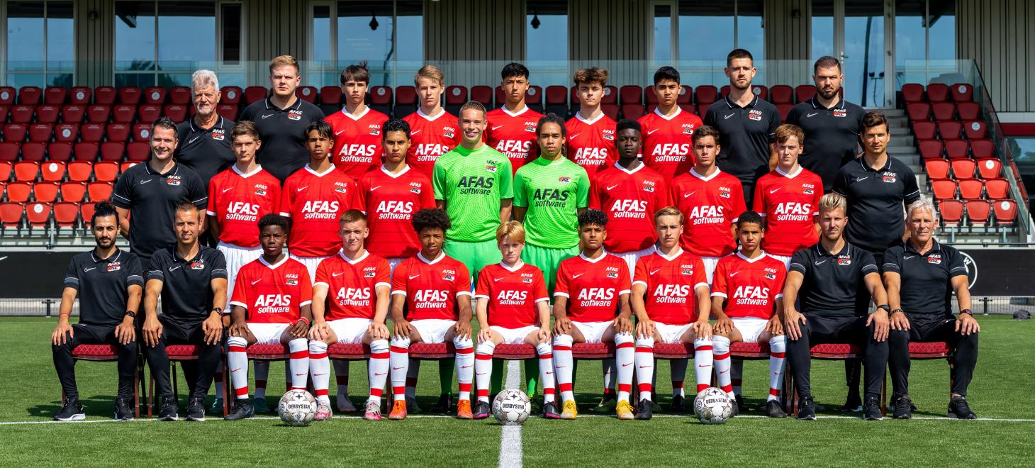AZ Onder 16 in thriller langs Ajax